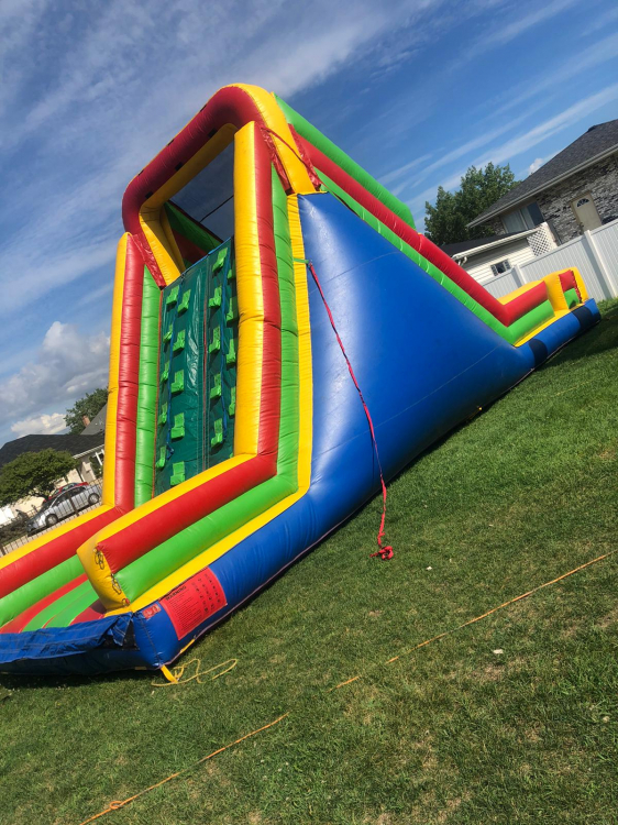 OBSTACLE COURSE 35'